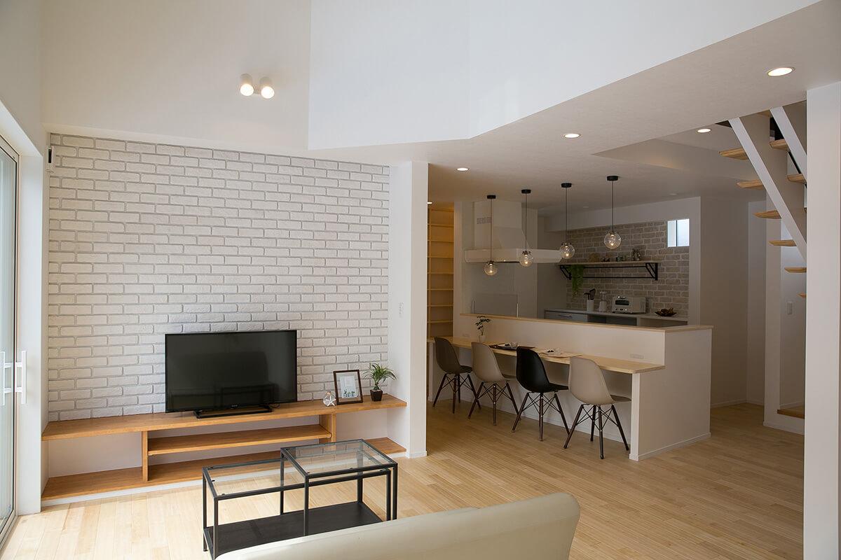 Shiawaseya-静かにゆっくり流れる時間を愉しむ ななめキッチンの家