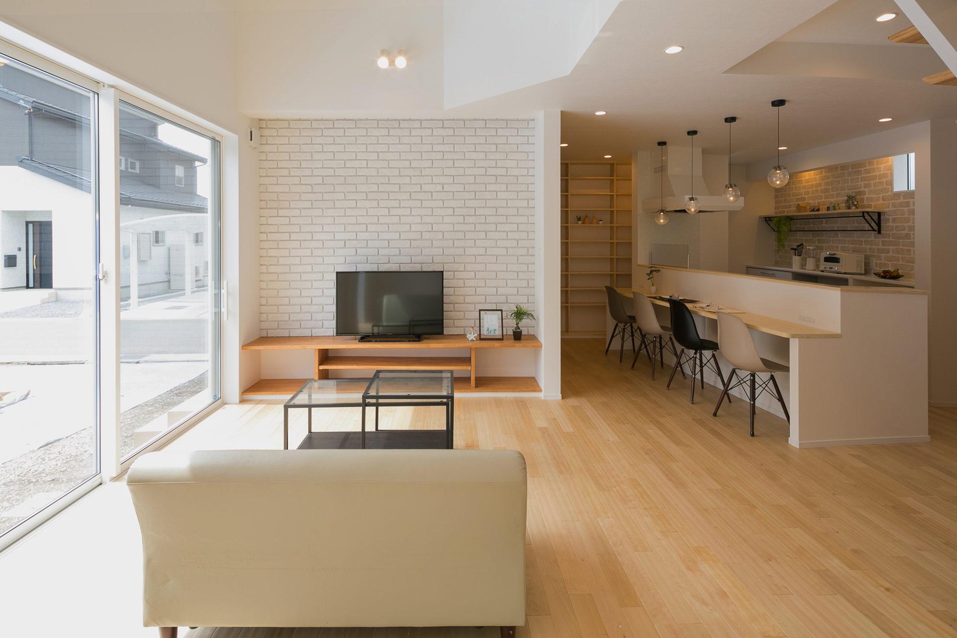 静かにゆっくり流れる時間を愉しむ ななめキッチンの家3