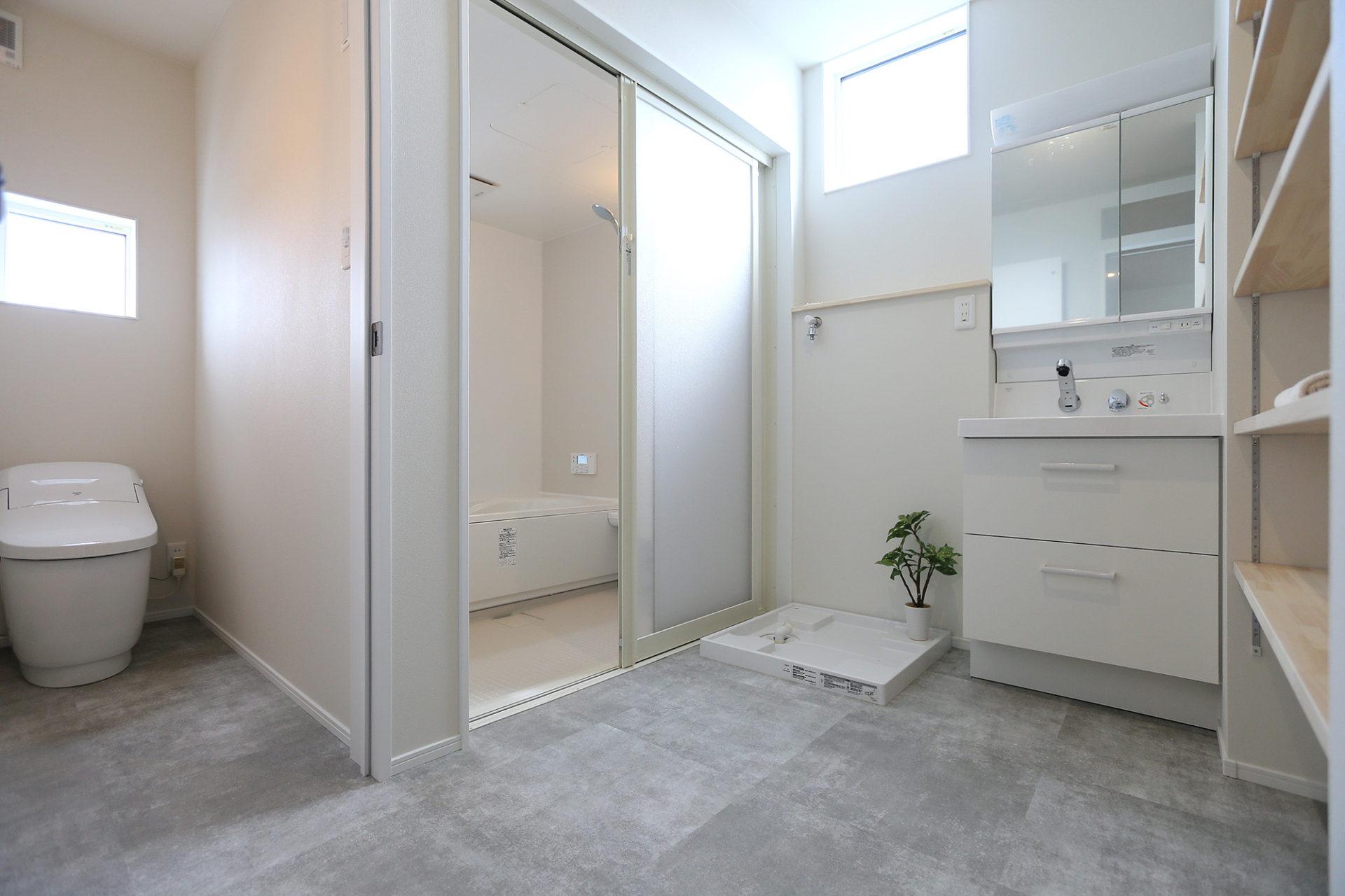 素材感のある すっきりデザインの家10