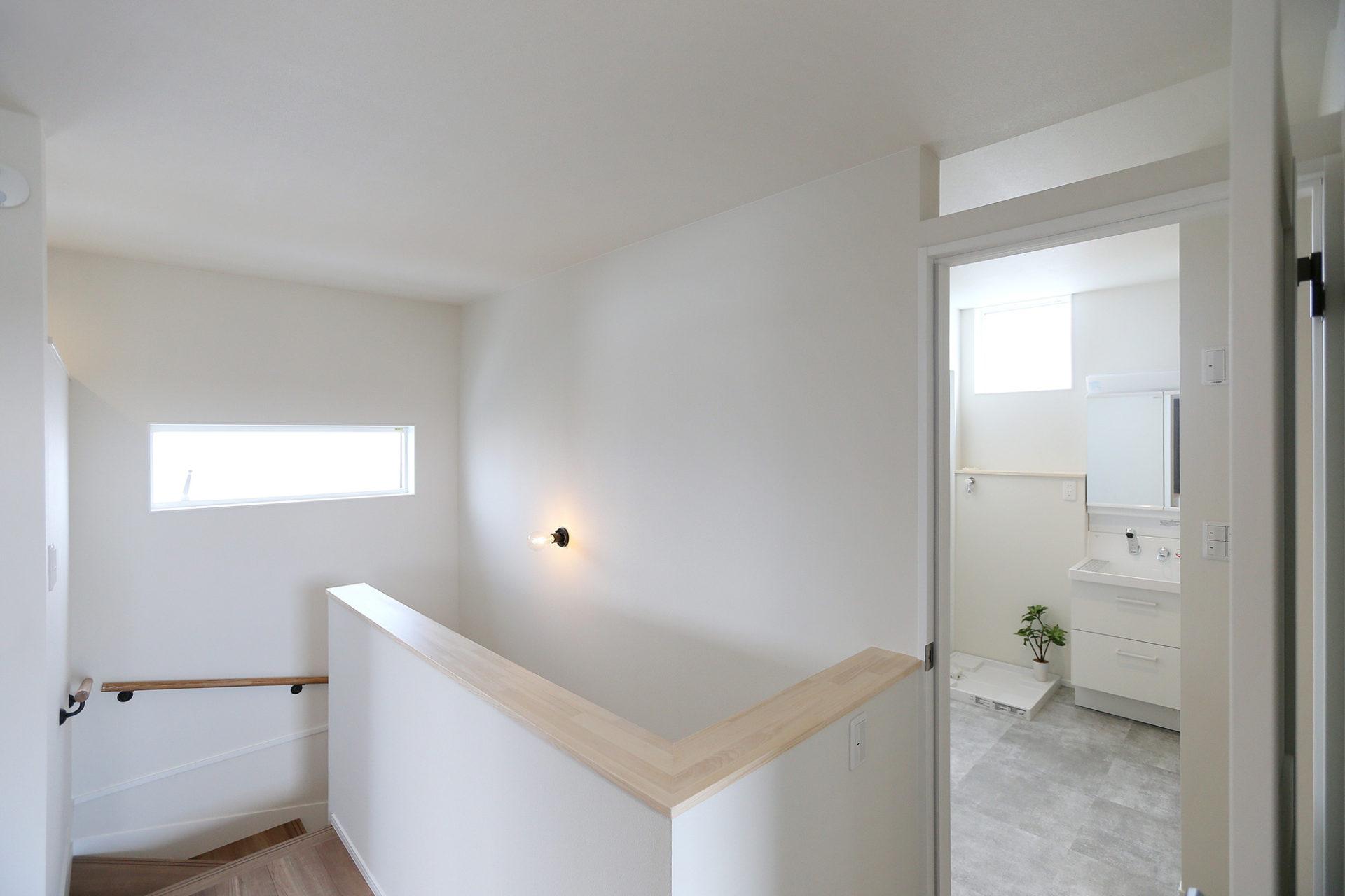 素材感のある すっきりデザインの家7