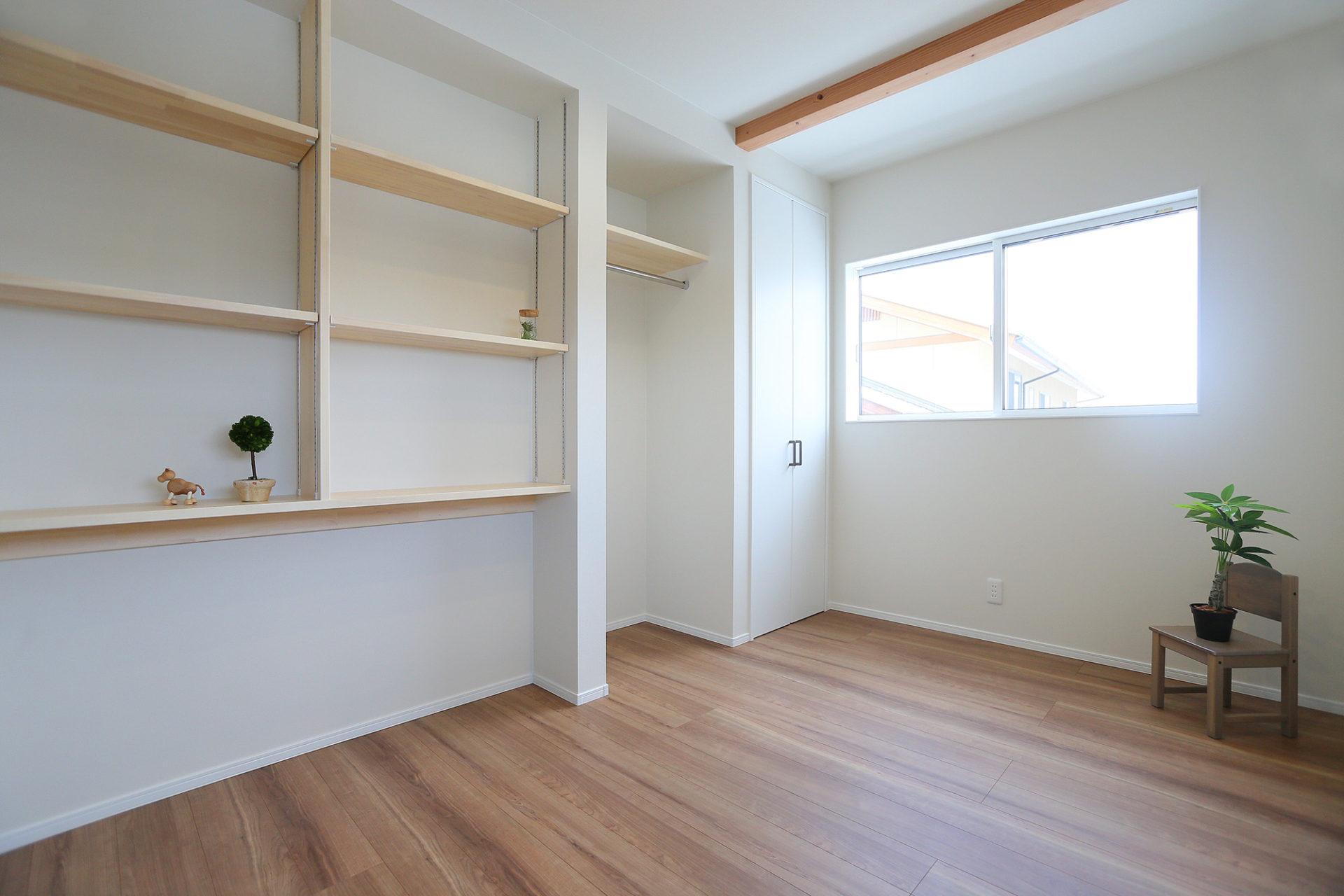 素材感のある すっきりデザインの家8