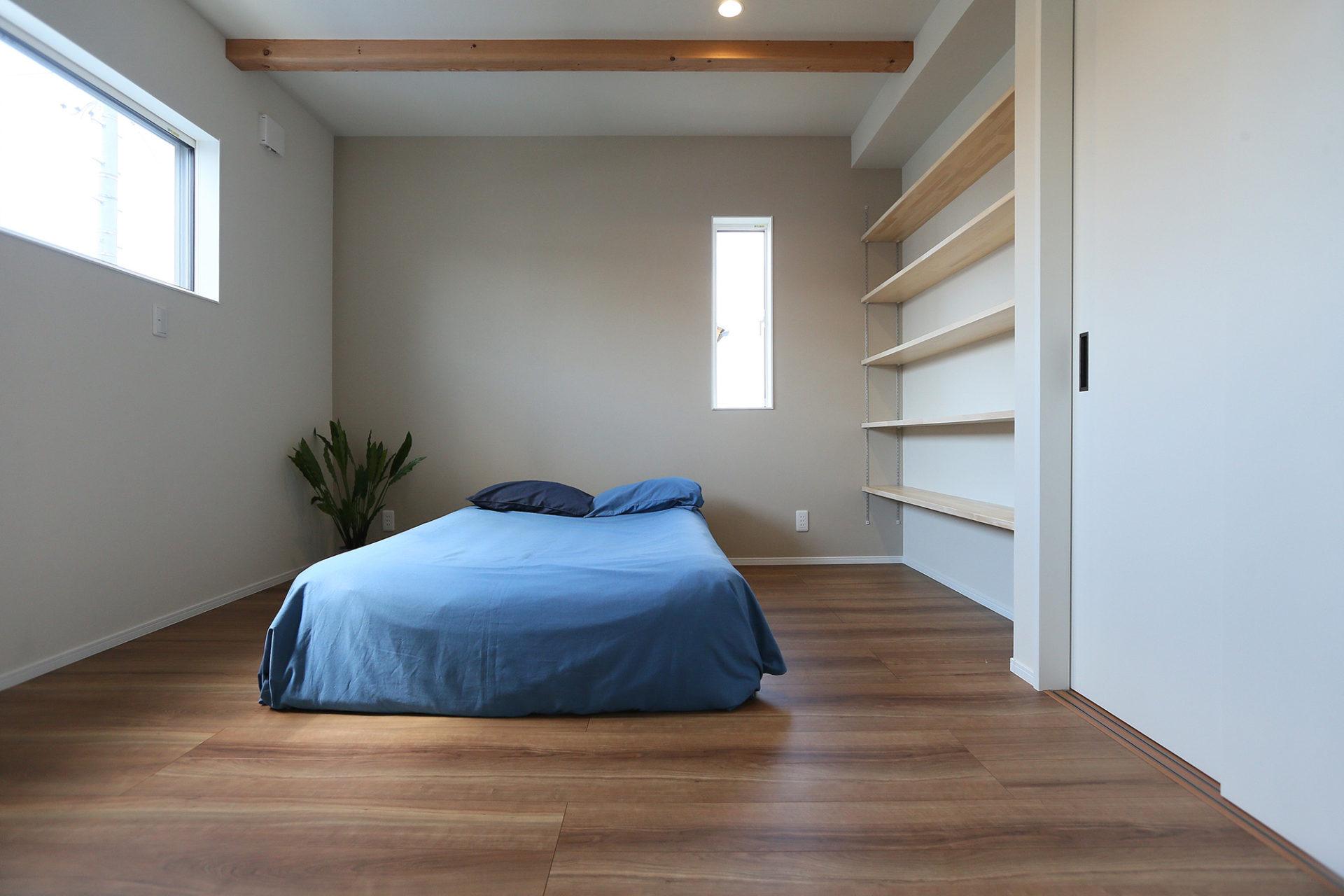 素材感のある すっきりデザインの家9
