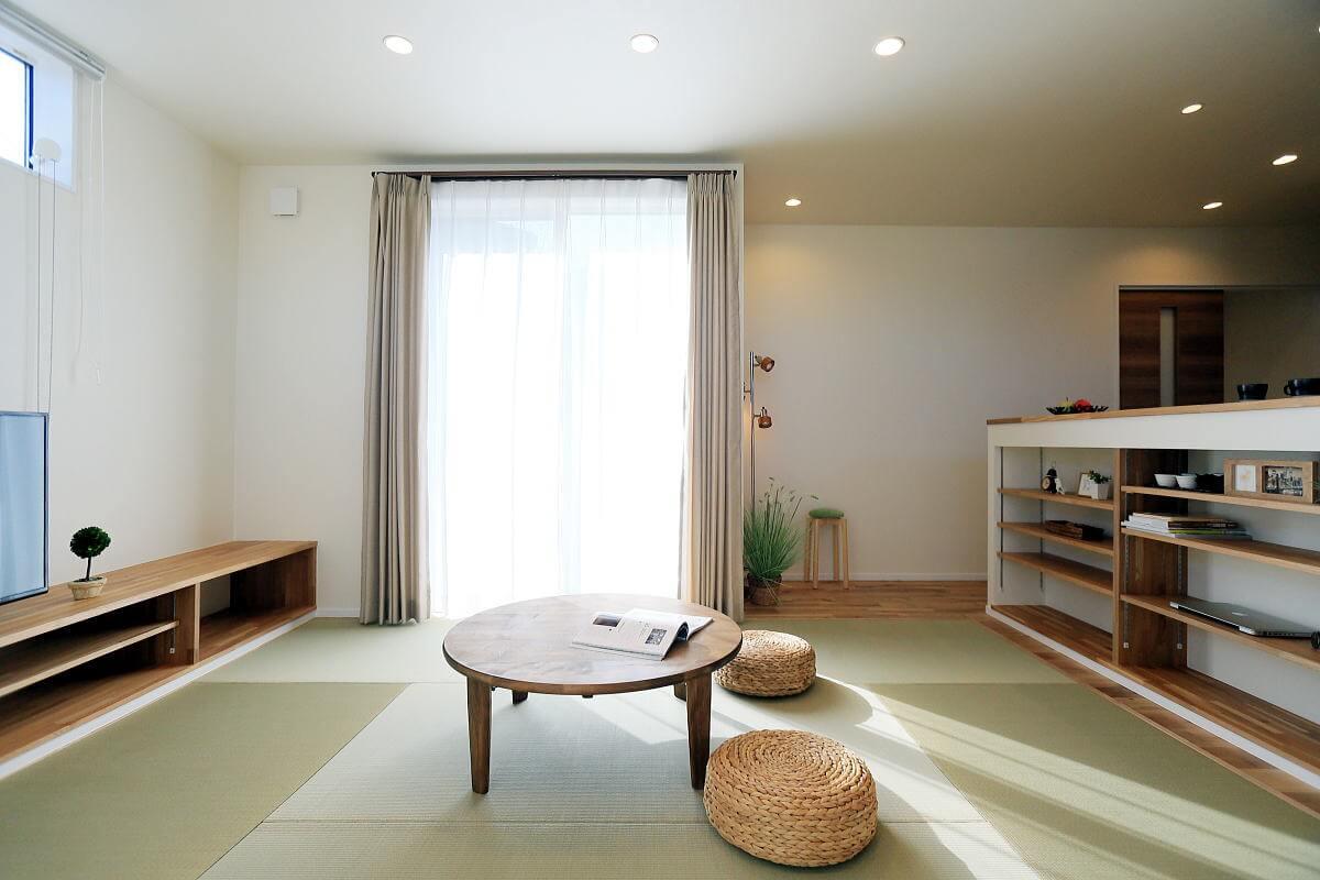 Shiawaseya-家族が集う 居心地の良い畳リビングの長野市の家