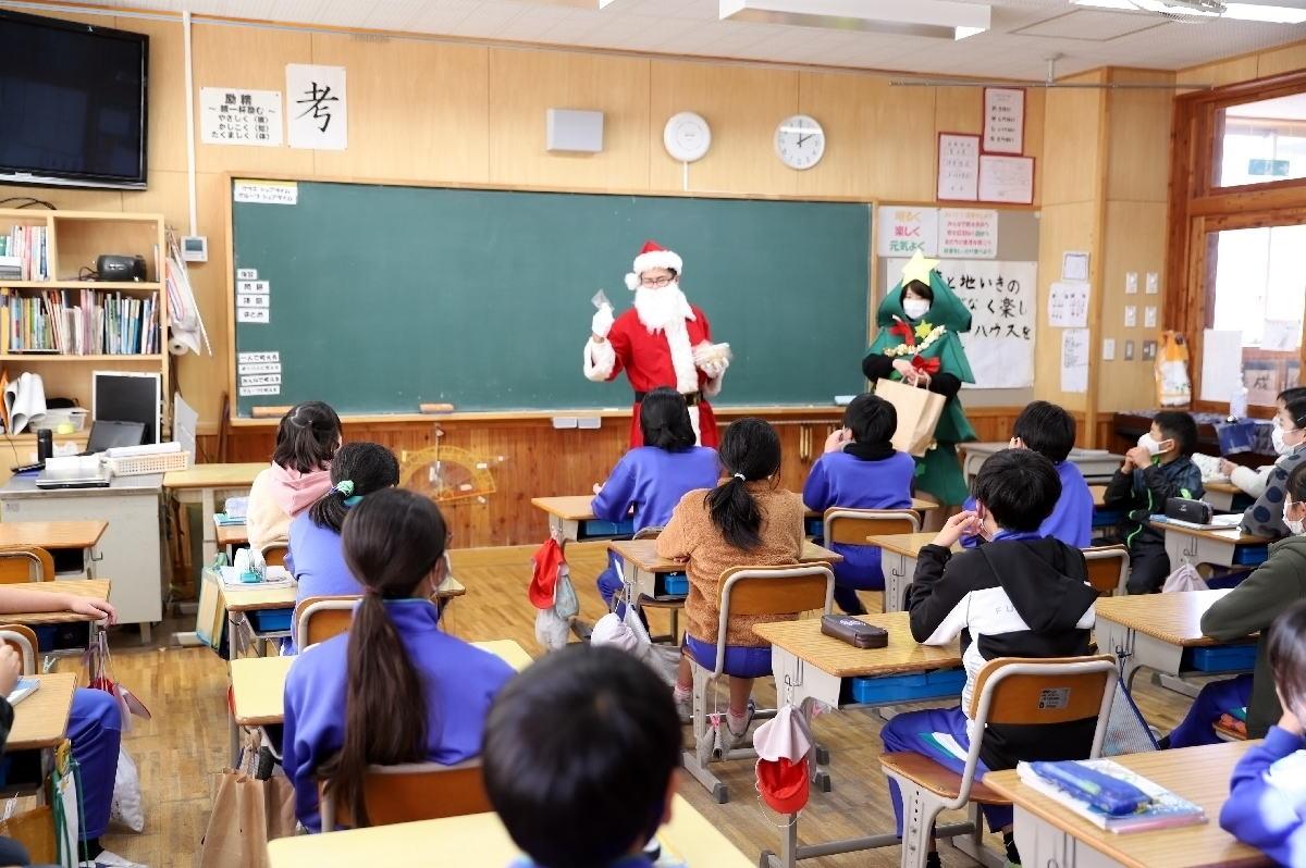 Shiawaseya-近隣小学校のツリープロジェクトに物品の寄贈をしました!!