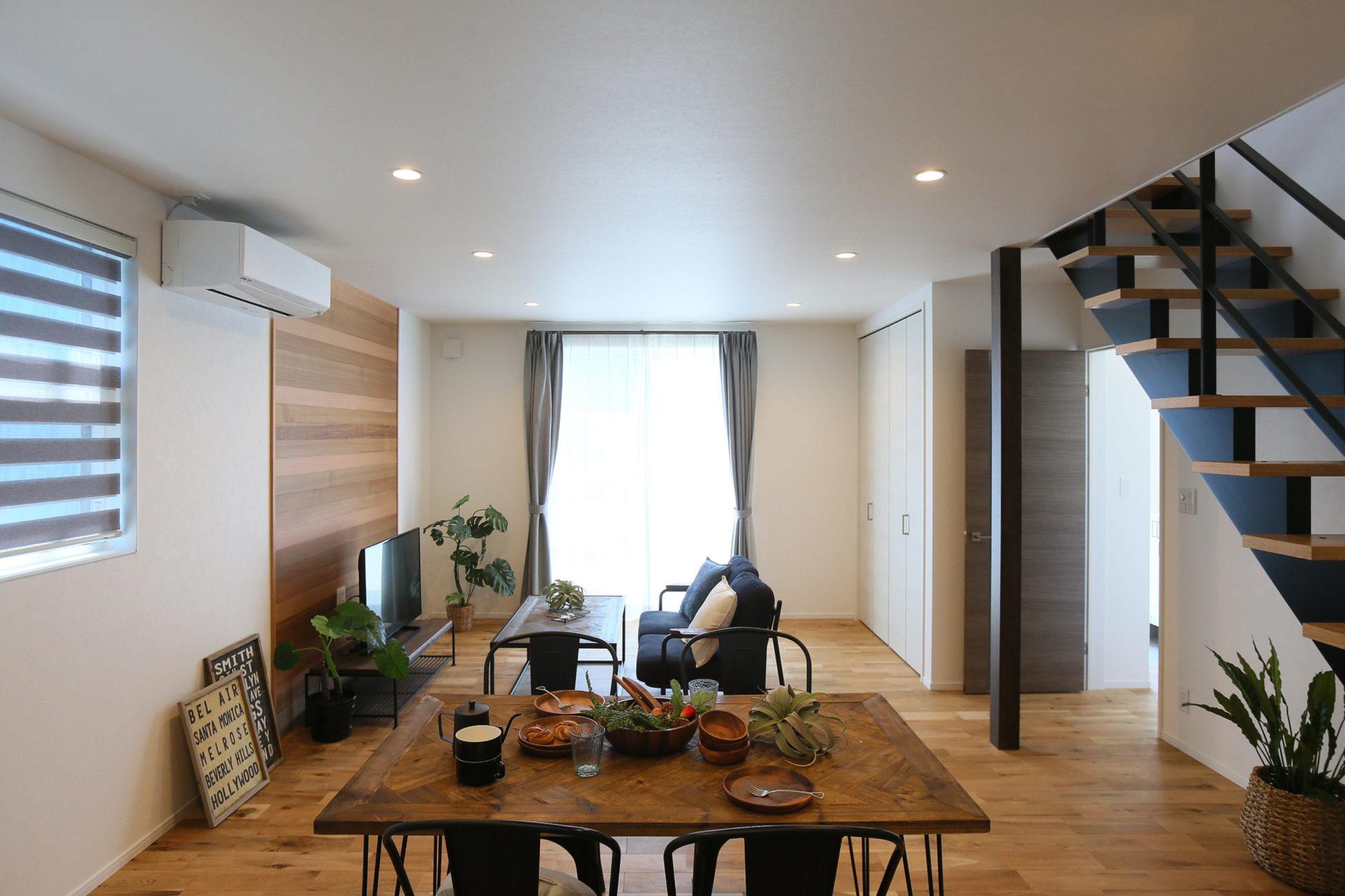 素材感を楽しむ大人カッコイイ長野市の家4