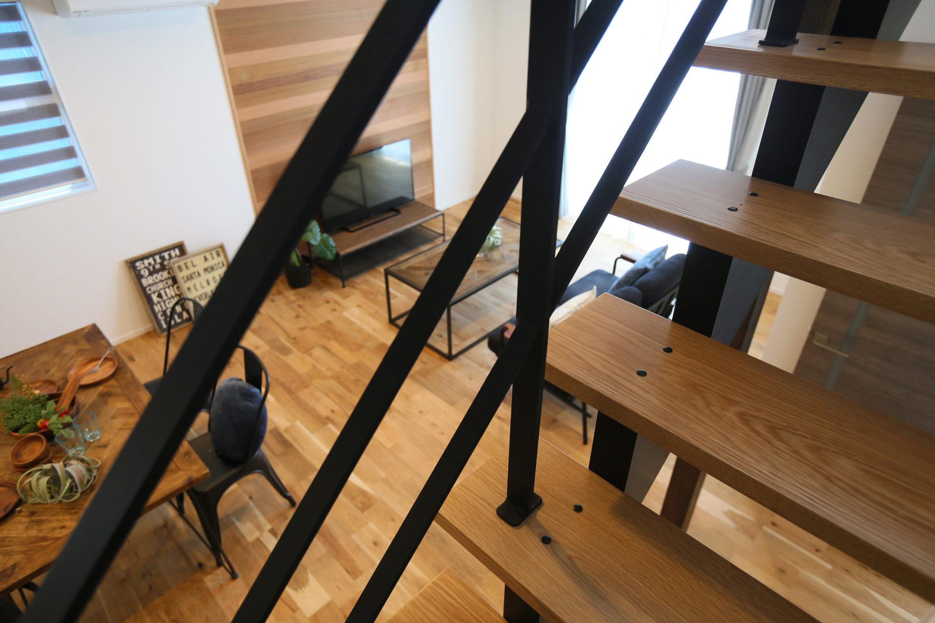 素材感を楽しむ大人カッコイイ長野市の家6
