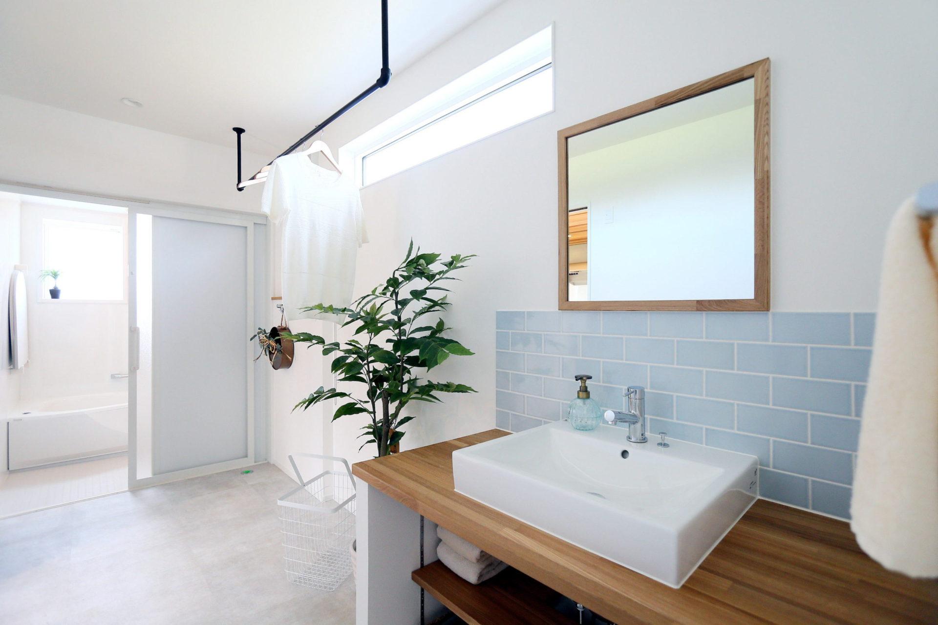 豊かな自然に映える 白い外壁の須坂市の家6