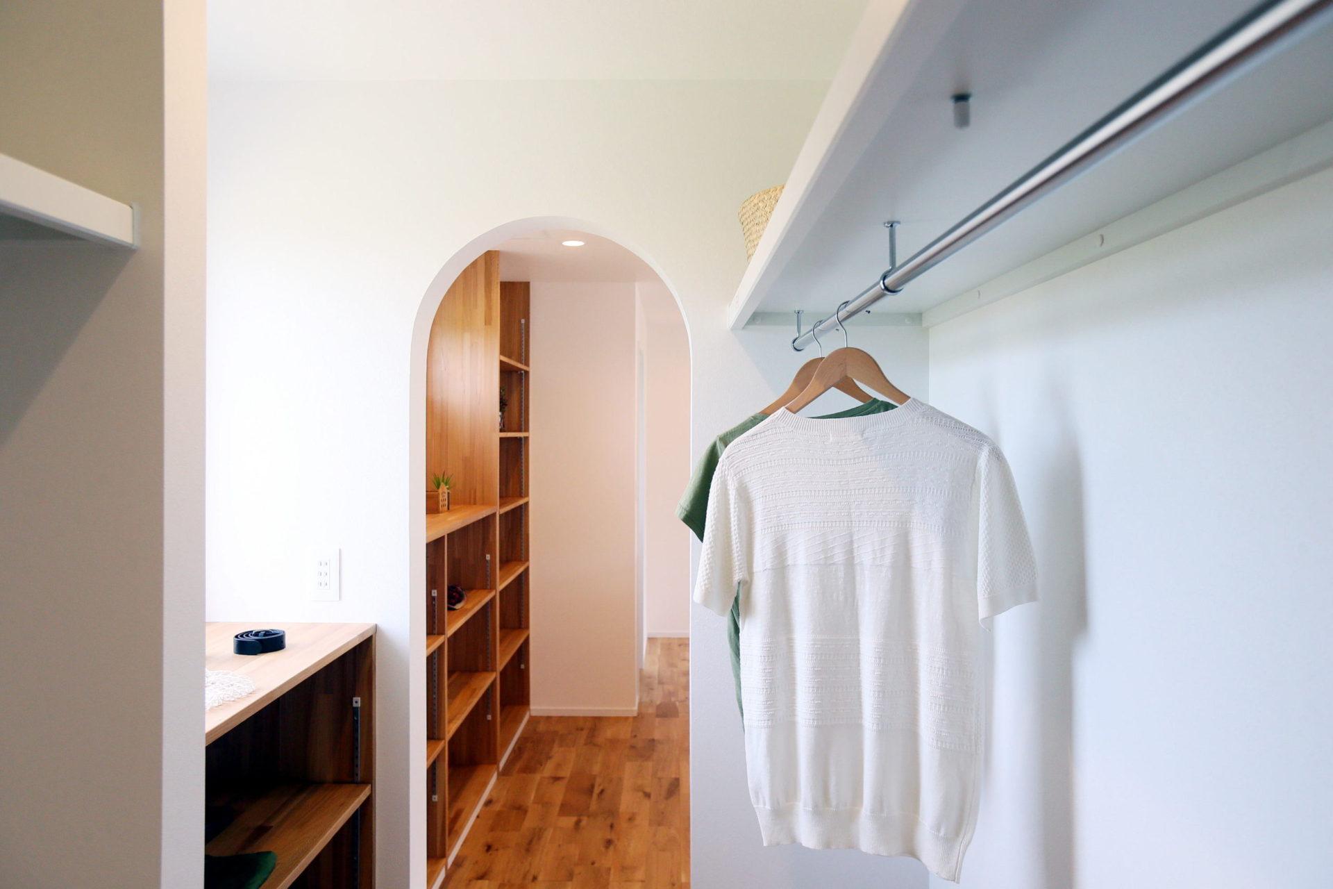 豊かな自然に映える 白い外壁の須坂市の家8