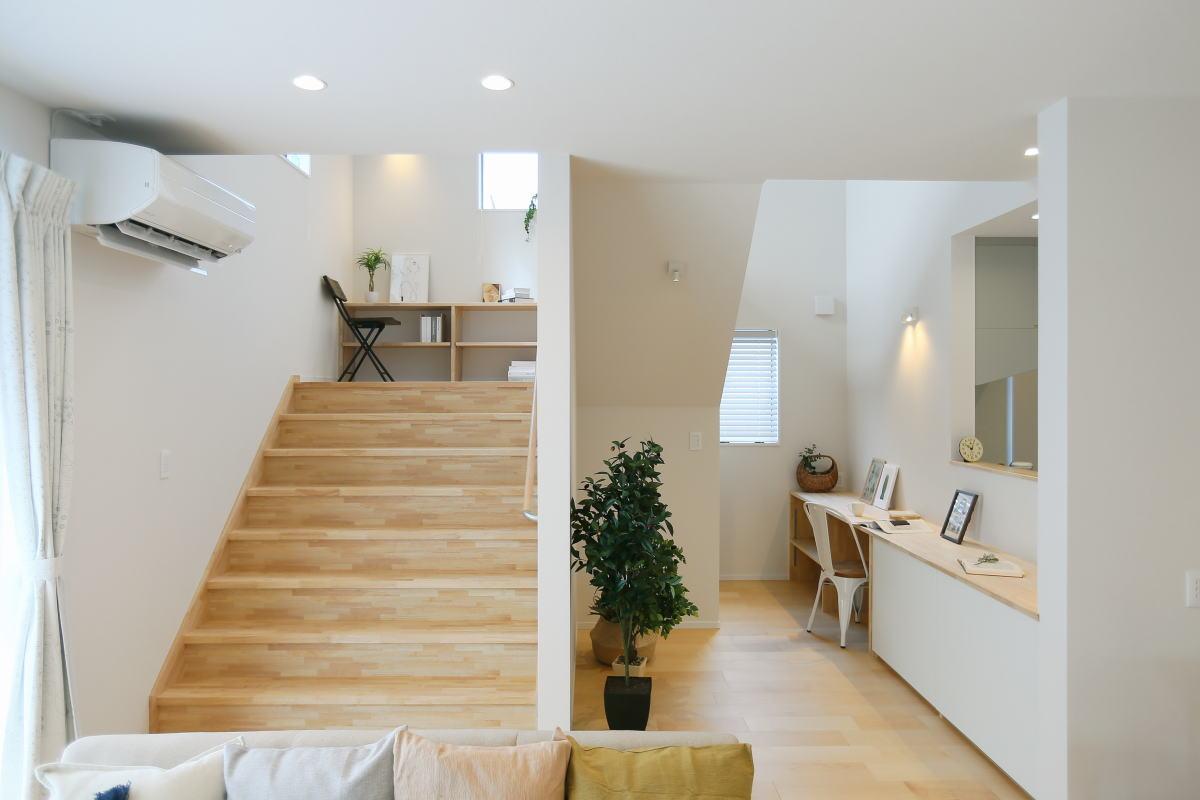 遊び心いっぱい♪広々階段のある長野市の家1
