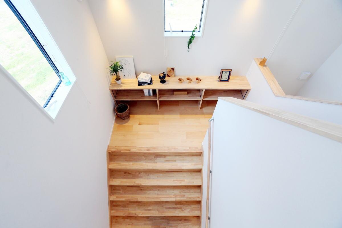 遊び心いっぱい♪広々階段のある長野市の家8