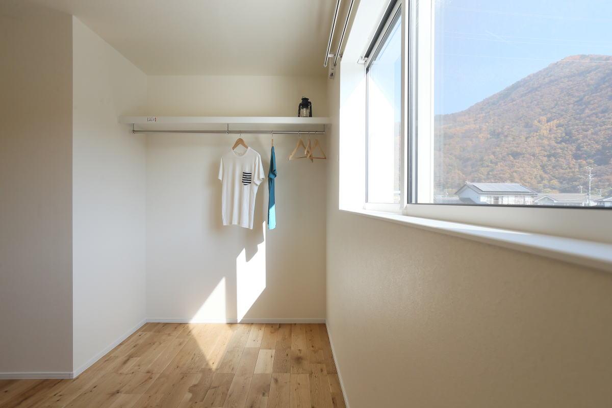 コの字型キッチンが家族の暮らしを彩る千曲市の家9