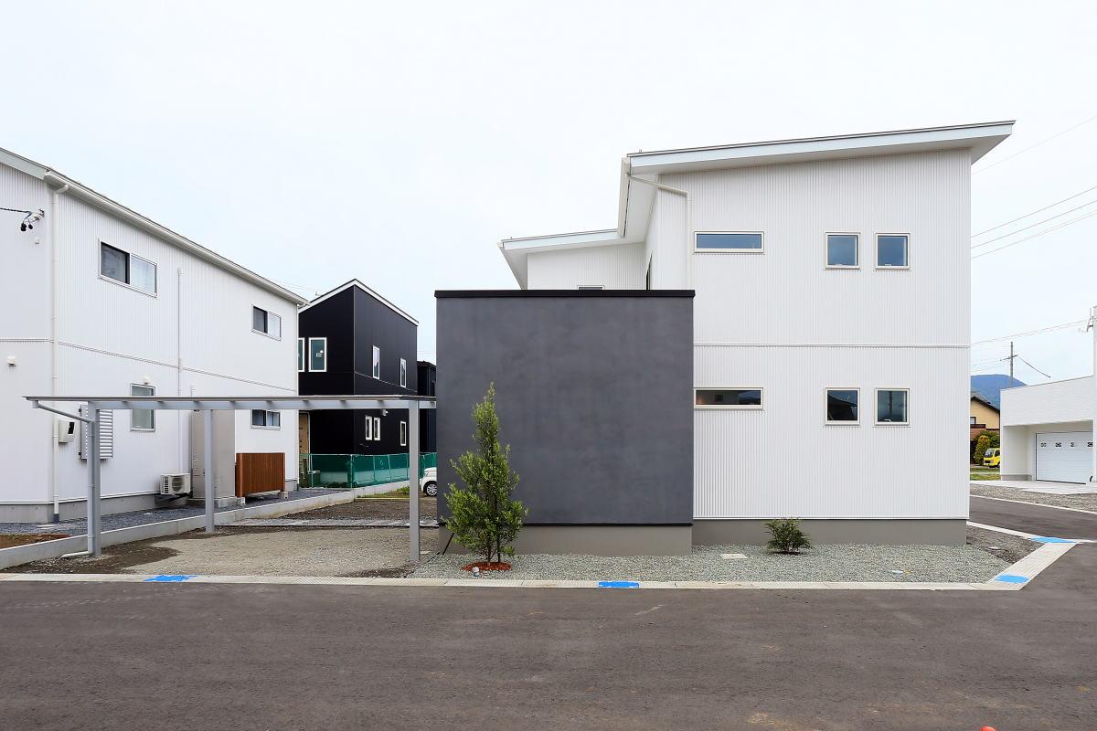 『shiawaseya、building the house』、上田市のお家10