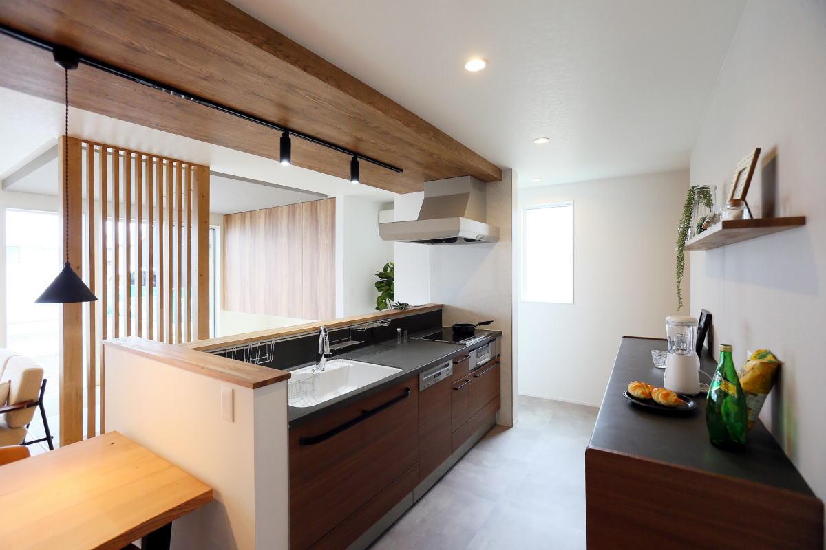 『shiawaseya、building the house』、上田市のお家3