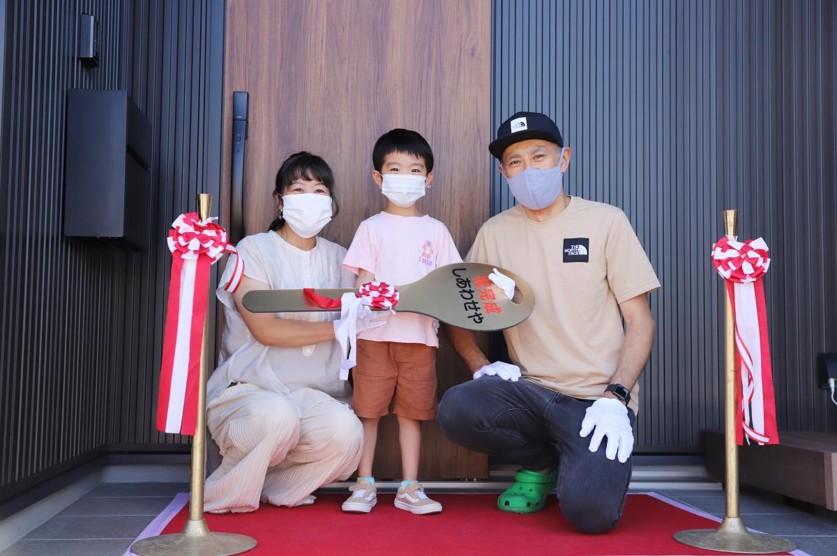 大きな吹き抜けのある長野市の家1